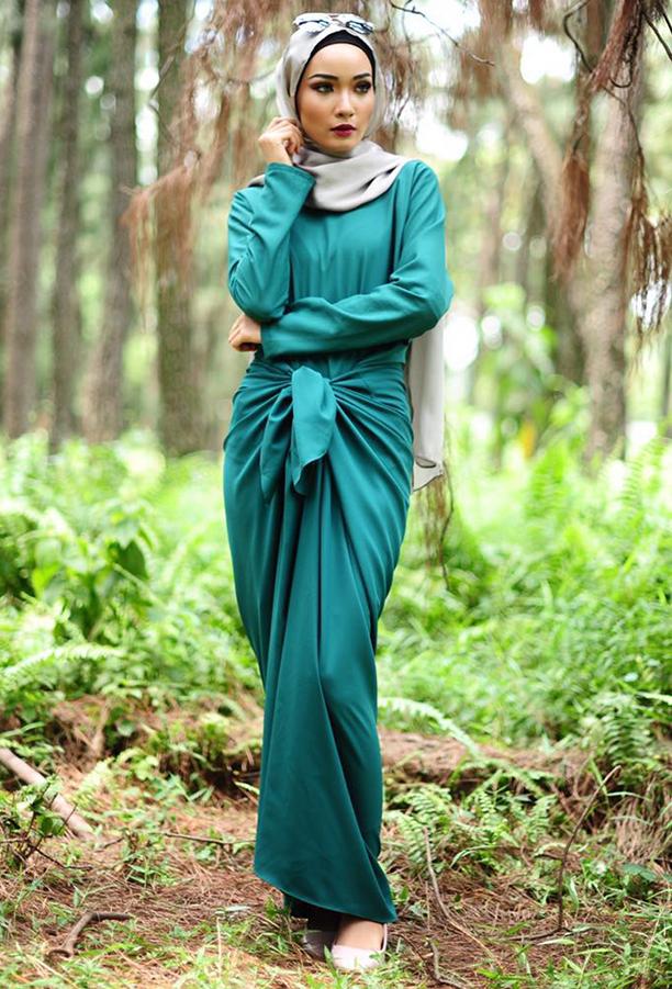 4 Tip Pilih Baju Ikut Warna Kulit Elak Muka Kusam Gigi Kuning Nona